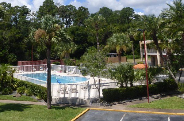 Affordable Pet Friendly Hotel In Florida Red Roof Inn Ormond Beach