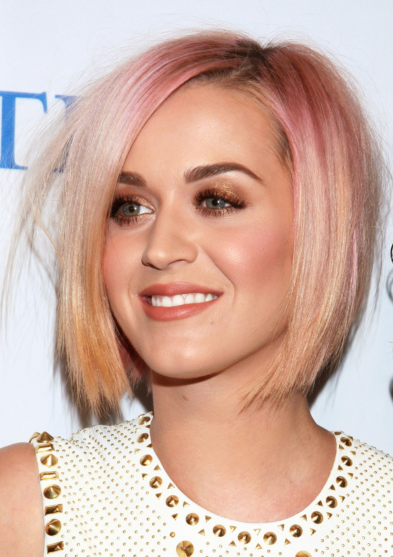 Rose gold hair inspiration for your dreamiest hair colour ever