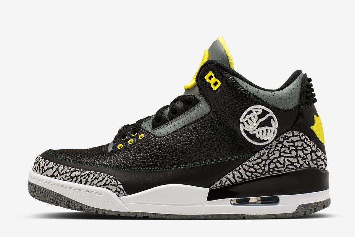 2ad9e23b9e6 COM  A Complete Look at the University of Oregon x Air Jordan Collection -  EU Kicks Sneaker ...