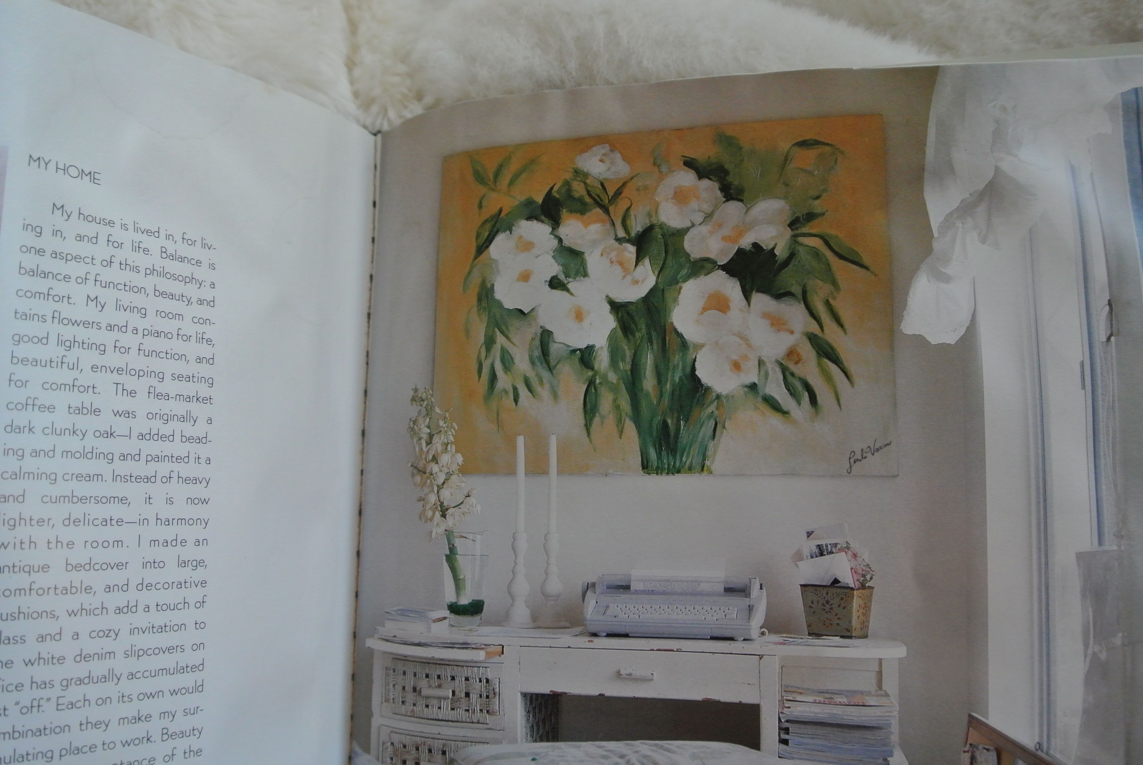 As seen in Shabby Chic Treasure hunting guide  I painted this as a gift for my freind Rachel, it sits in her home office