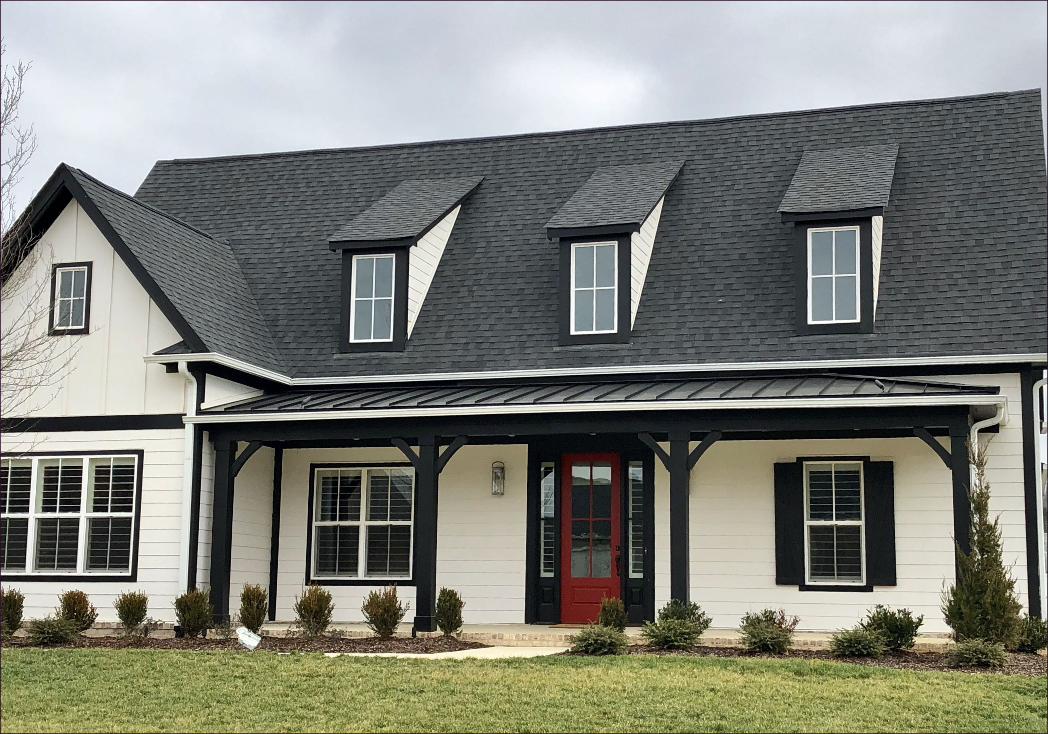 Best How To Choose The Right Roof Shingles Color Black Trim 640 x 480