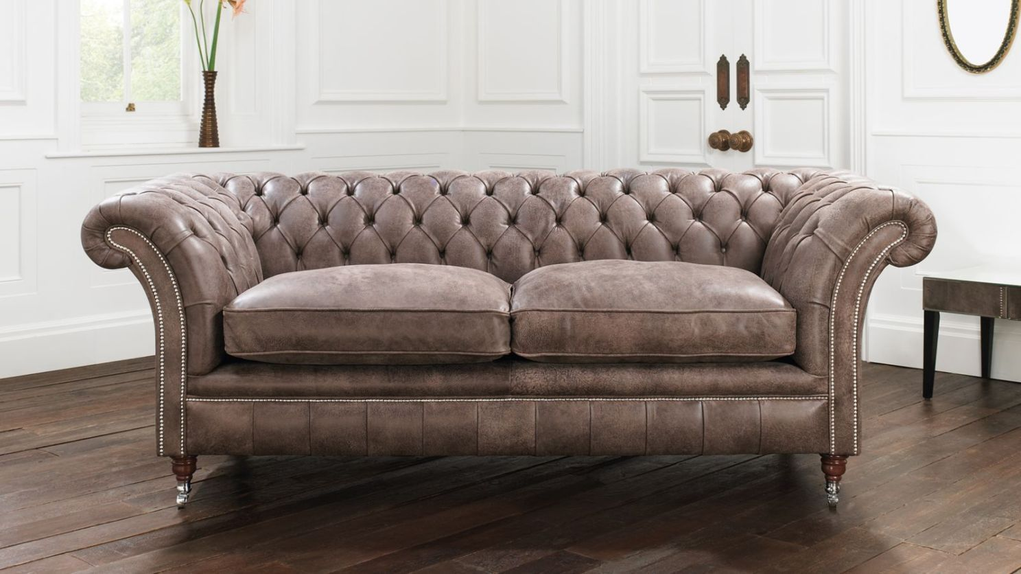 Divano Chesterfield Wiki Studded Leather Sofa Set