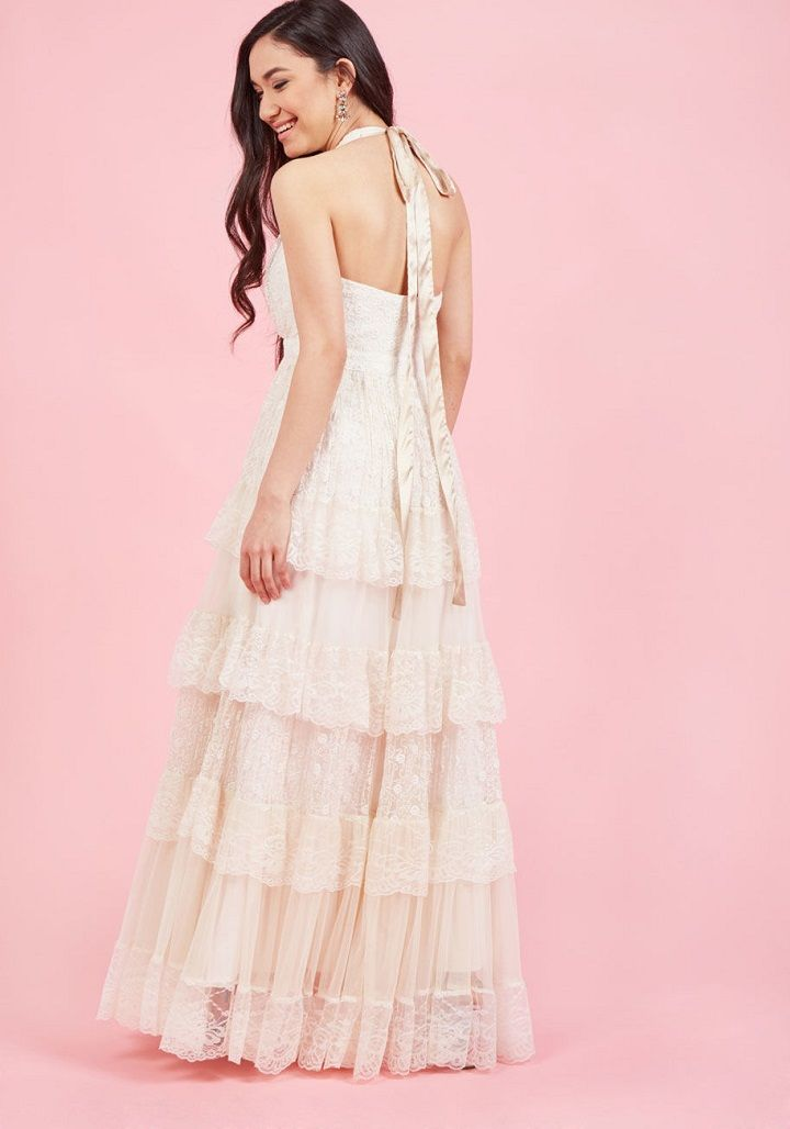 Layered wedding dress with halter neckline | Boho wedding dress under $300 #weddingdress #weddinggown #bridalgown #bohoweddingdress #bohobride #weddingdresses