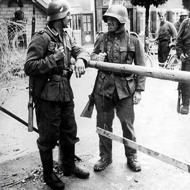 German Soldier And Swiss Soldier At The Border