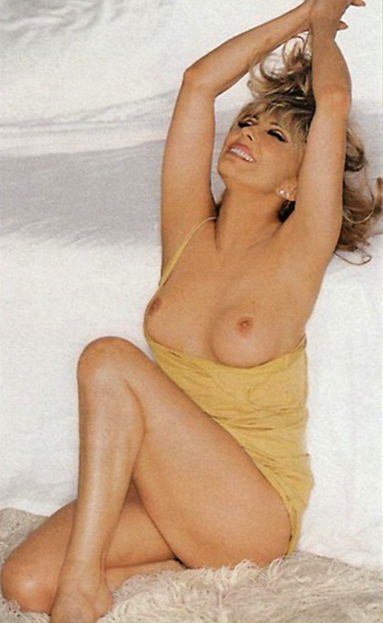 Sinatra tits nancy
