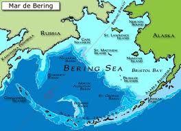 Mar de Bering - É extensão marítima no extremo norte do Oceano Pacífico com mais de 2 milhares de Km². Existe uma cidade fantasma sob o Mar de Bering existe a maior plataforma continental do mundo e é la que existe a pecaria mais produtiva Norte Americana.