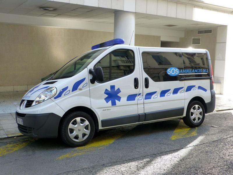 sos ambulance nice france ambulance and paramedic. Black Bedroom Furniture Sets. Home Design Ideas