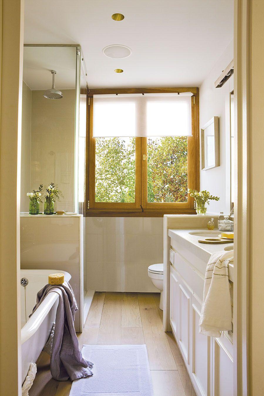 El mármol vuelve | Ventanas para baño, Baños pequeños ...