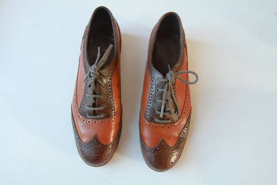 Vintage Classic Leather Wingtip Oxfords / Two Tone Lace Up Bass Brogues 8.5 on Etsy, $38.12 CAD