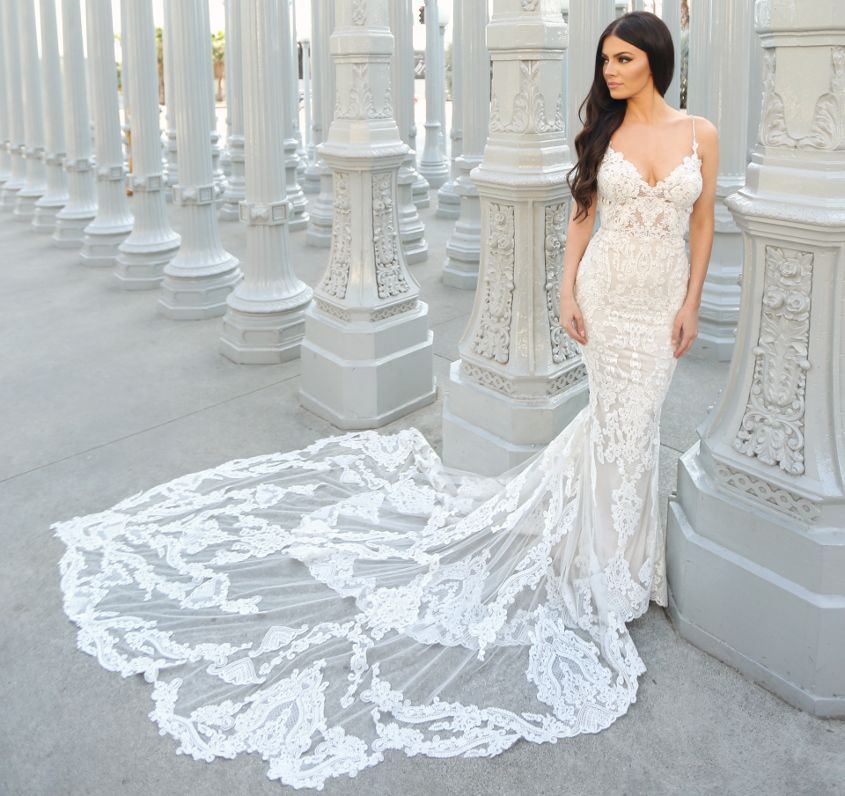Leehwa Wedding Sample Sale Losangeles Bridalsale Leehwa Bridal Sale Fashion Event Wedding Dresses Lace