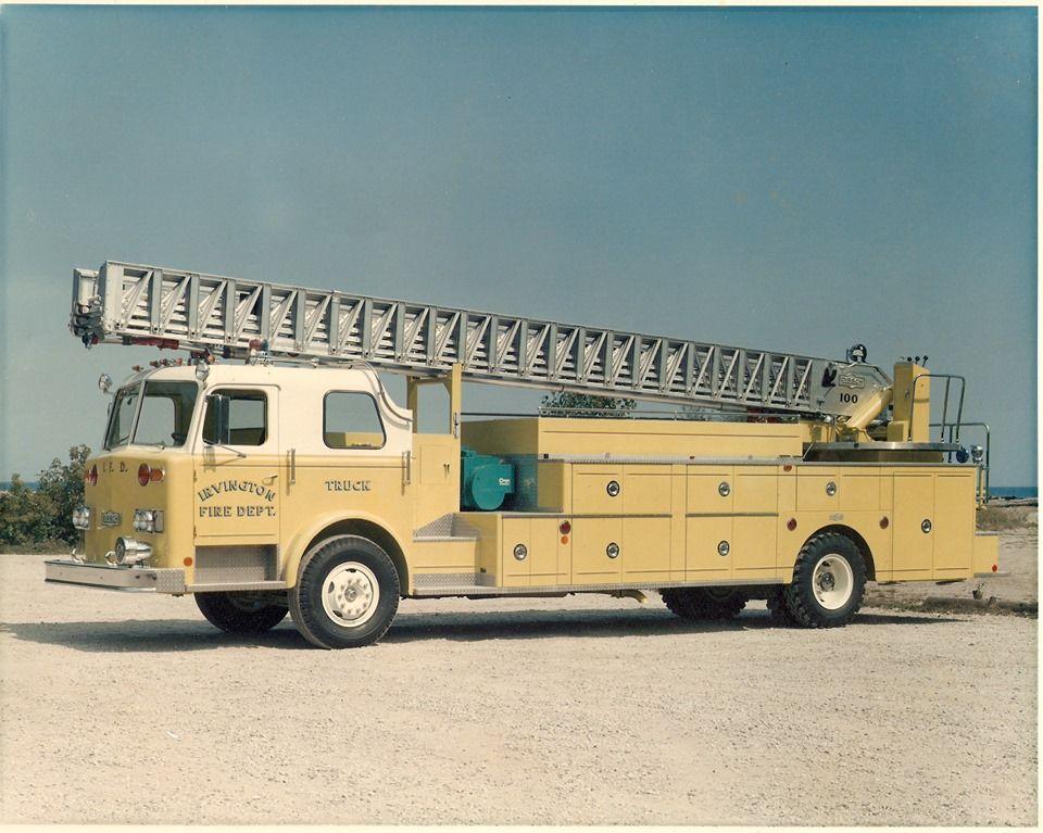1973 Pirsch 3066, Model 88D, Detroit 8V71N, 100' Rear