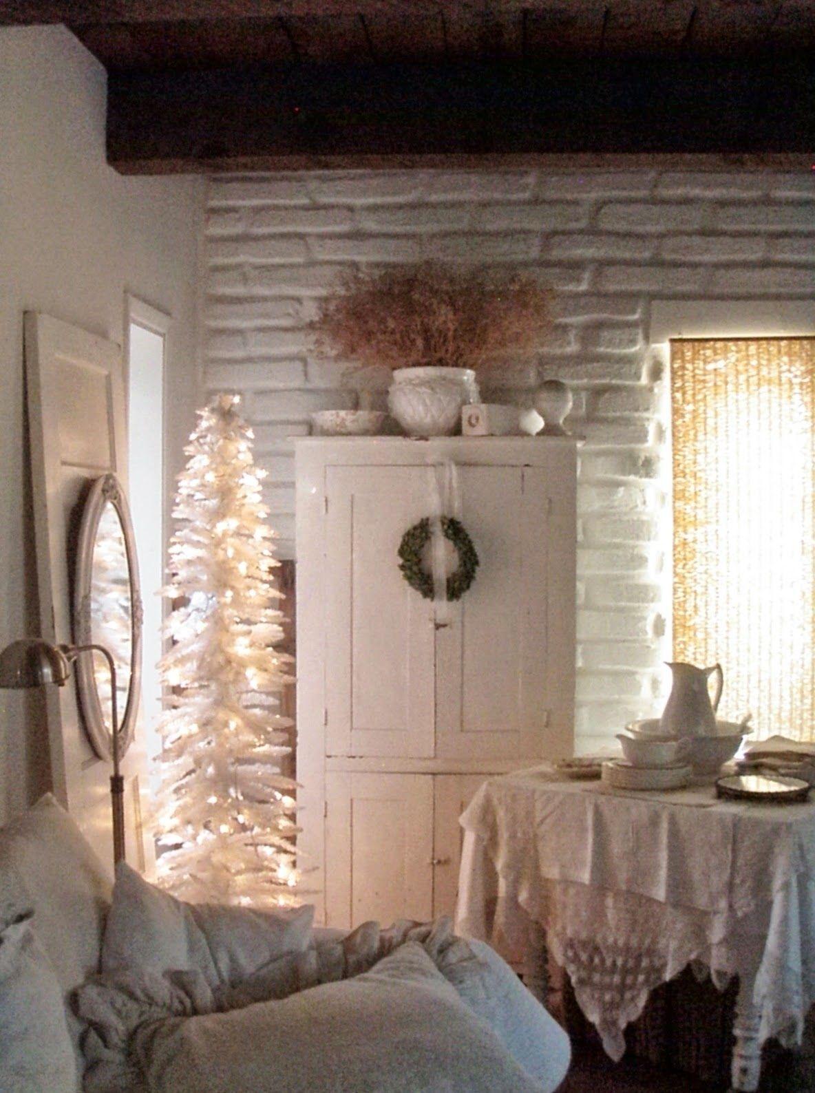 . . . Cabin & Cottage