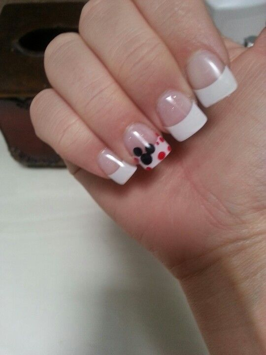 Mickey Mouse-maybe red tips instead | Nails | Pinterest | Diseños de ...