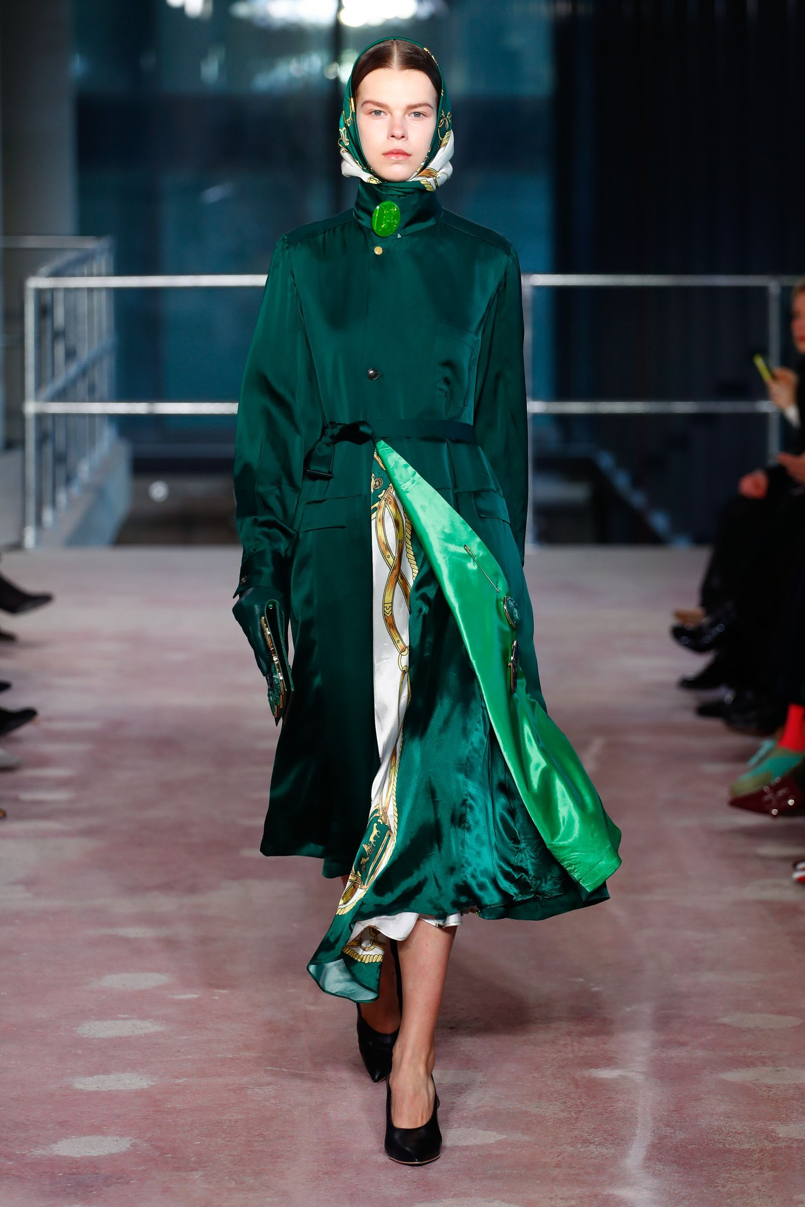AW18 Trend: Scarf Prints | AW18 | Fashion, Fashion 2018 ...