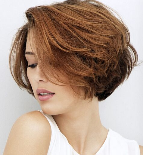 16 Fashionable Short and Medium Hairstyles for 2021   Pretty Designs Gallery