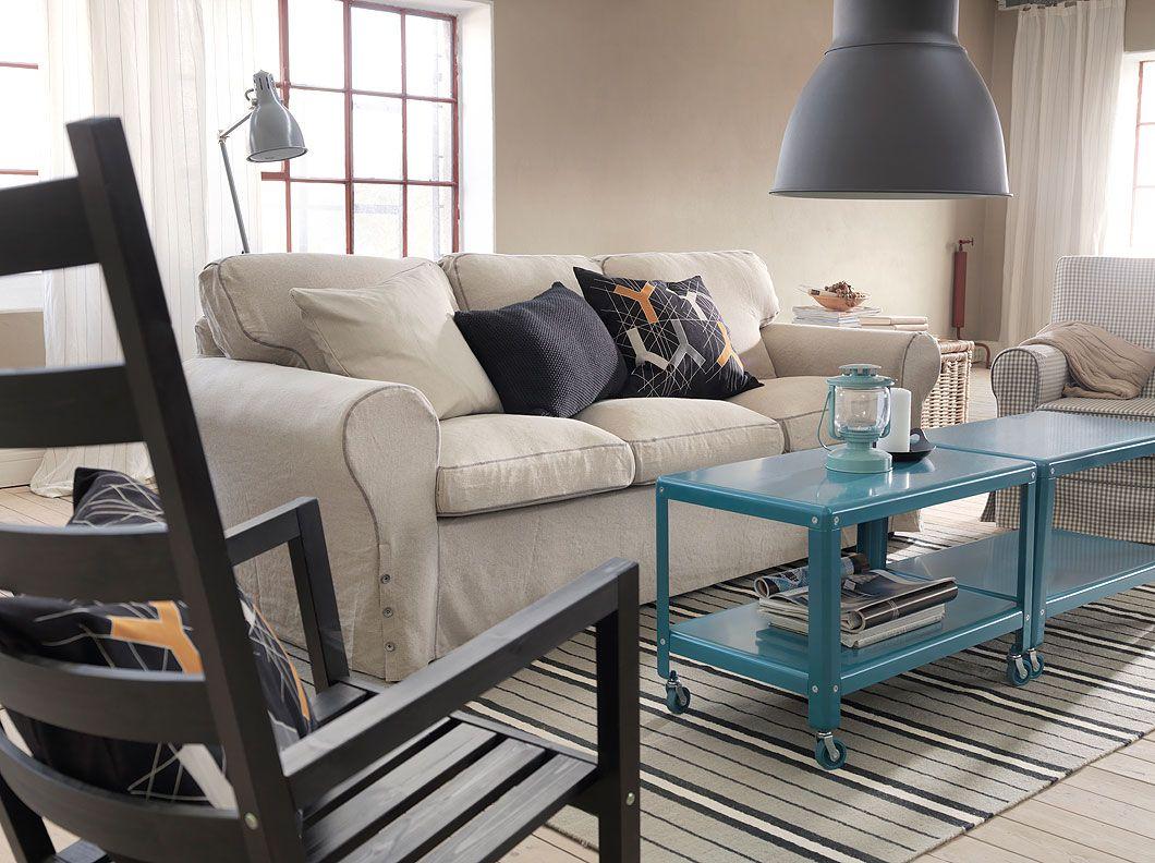 Divano a 3 posti EKTORP con fodera Risane naturale e tavolini IKEA PS 2012 turchese scuro con rotelle