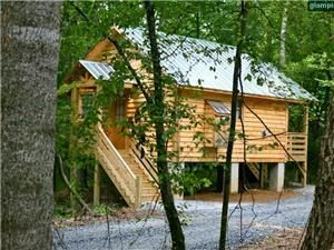 Log Cabin Rentals North Carolina | Glamping Cabins American Viticultural  Area