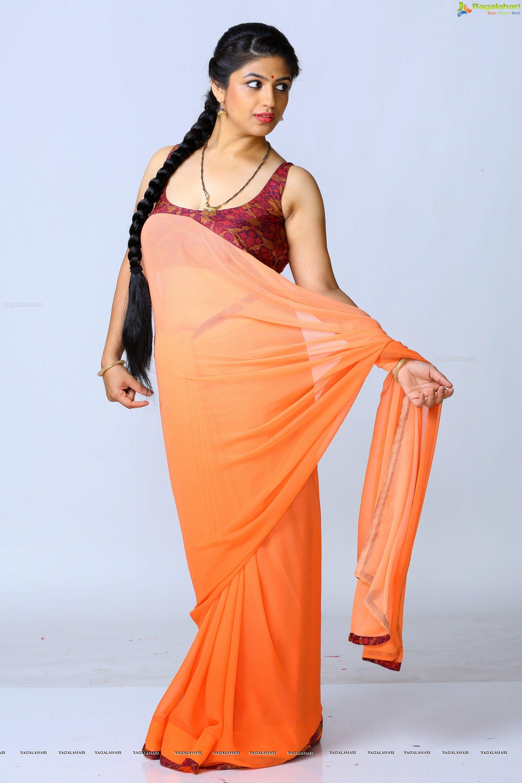 Sexy saree and navel show