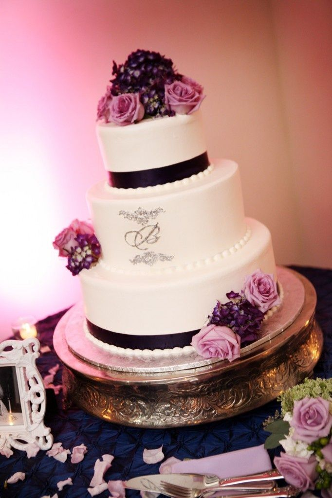Sangria Lavender And Silver Wedding Cake For More Inspiration Check Out Our 2015