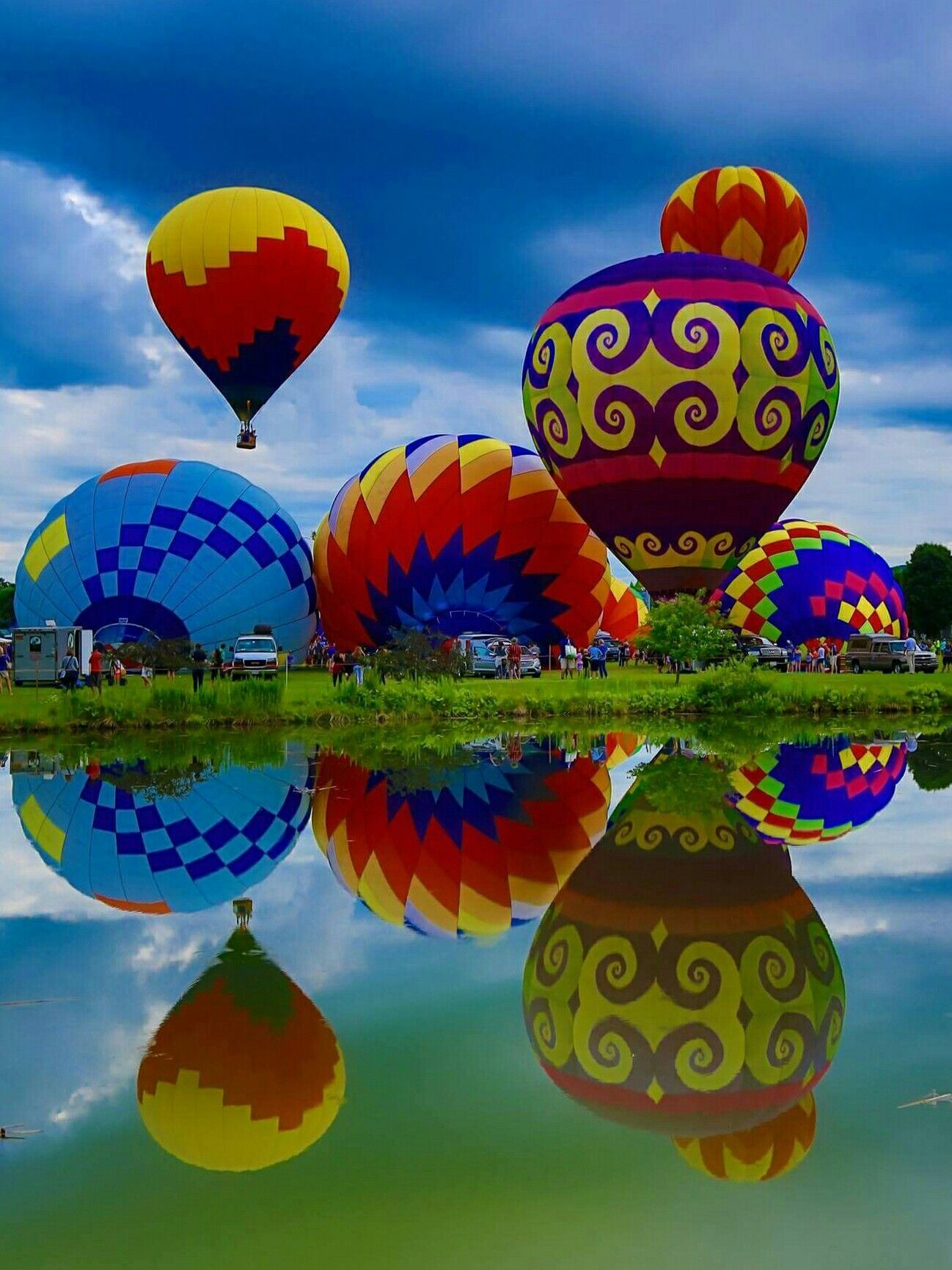 30th Stoweflake Balloon Festival Balloons, Hot air balloon