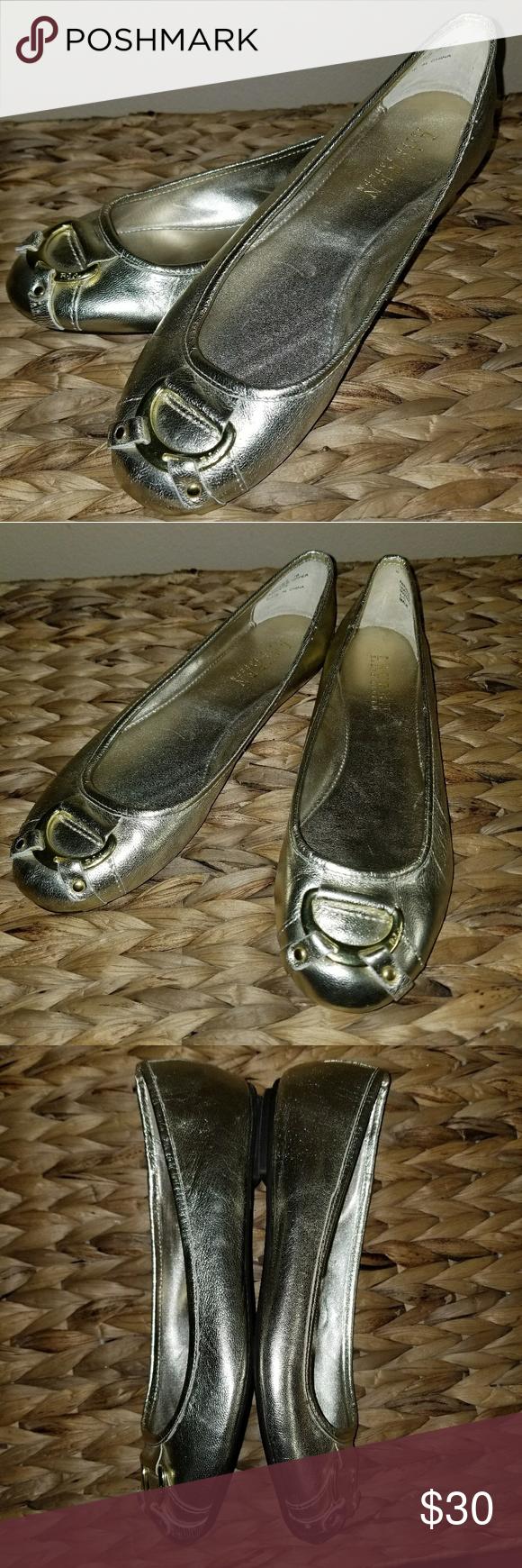 b944fb61aa Lauren Ralph Lauren Abigaile Gold Flats sz 7 Lauren by Ralph Lauren Size   7B Color  gold Style  Abigaile 100% leather Like new condition!