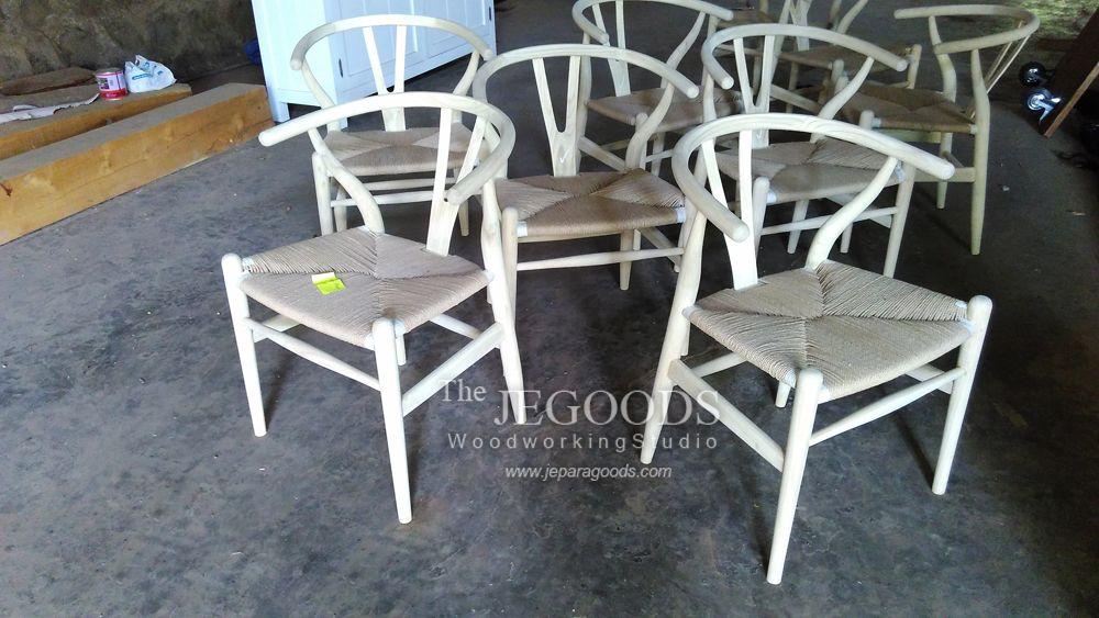 We manufacture and supply Wishbone Y Chair by Hans Wegner #scandinavia #retro #vintagechair furniture for private house or commercial use such as cafe, bar, restaurant and hotel. Available at #wholesale price. Browse our #ScandinavianFurniture collection on www.jeparagoods.com  #wegnerchair #danishfurniture #jeparafurniture #jeparagoods #vintagechair #danishchair #1950furniture #teakfurniture #retrofurniture #cafechair #kursicafe #teakfurniture #kursihotel  #wishbonechair #indonesiafurniture