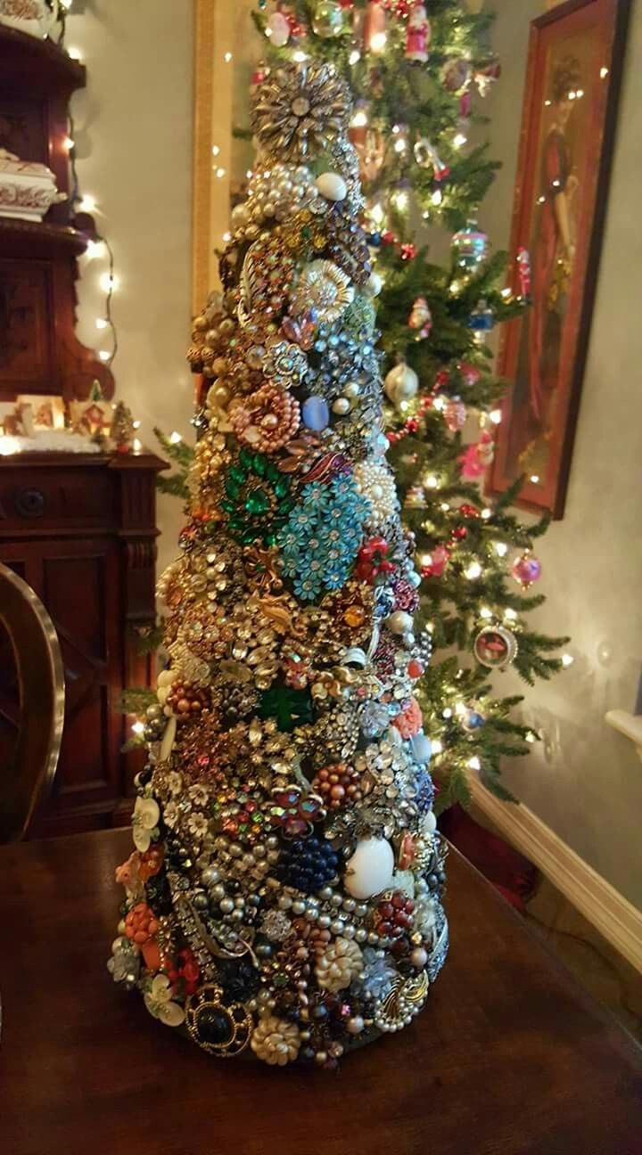 Pin By Mashorena On Design Ideas Jewelry Christmas Tree Christmas Tree Costume Jeweled Christmas Trees