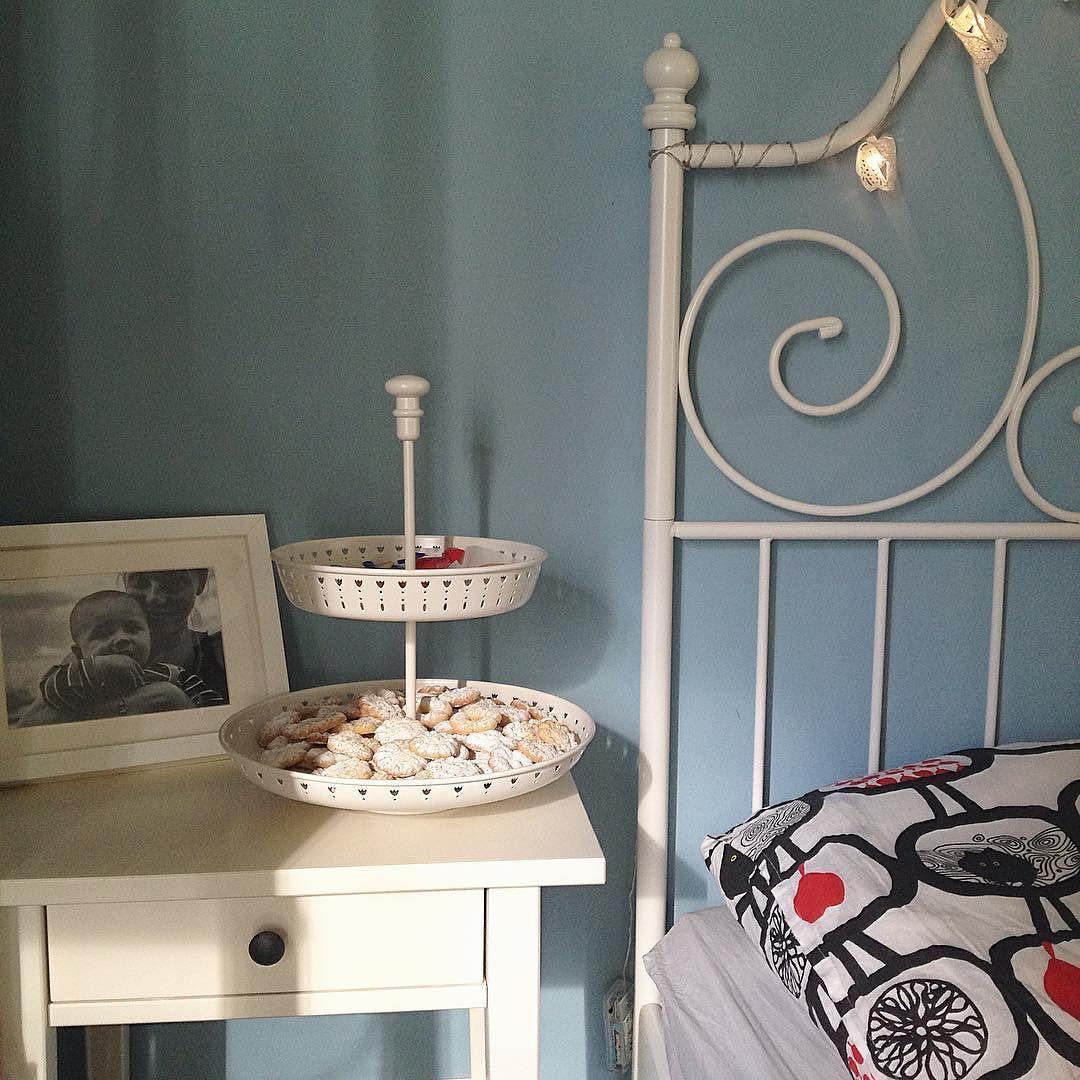 Ha inizio la massiccia produzione di biscotti natalizia!  P.S. Faccio prima a dire che solo il muro in questa foto non è di @ikeaitalia (e i biscotti)  #bedroom#interiordesign#homedecor#biscuits#ikea#homemade#bedroomdesign#bedroomideas#interiors#mybedroom#interiorandhome#mybed#homedecor#homeinspiration#decorationsdessert#food#yummy#instafood#sweet#delicious#bake#foodpics#foodgasm#foodphotography#foodstagram#foodpornshare#foodie#foodgram#vscofood by claudiasushi