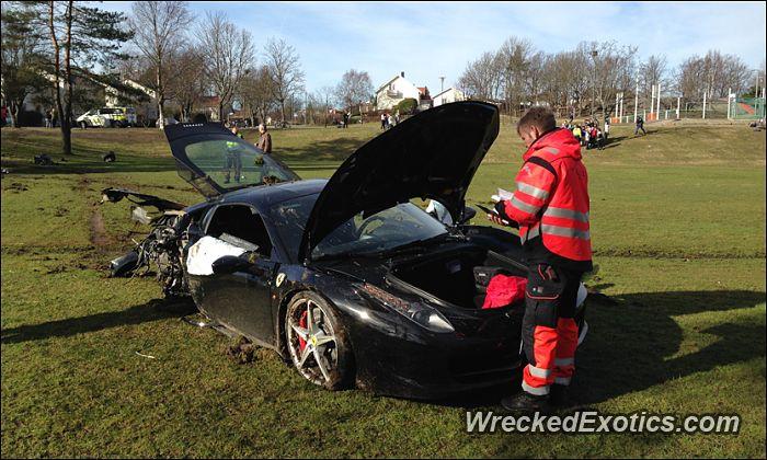 Ferrari 458 Italia crashed in Fredrikstad, Norway