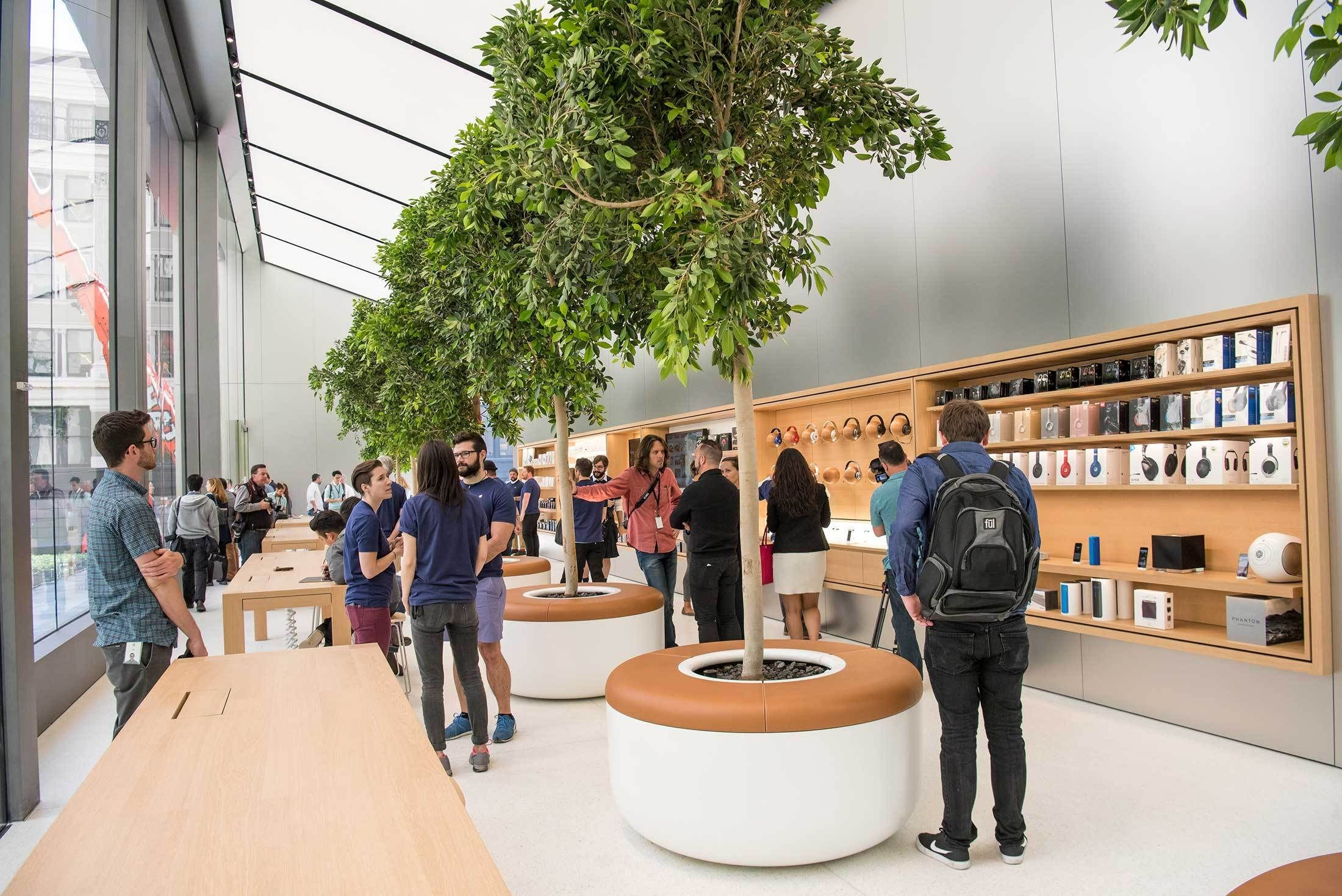 Inside the New Apple Retail Store Design