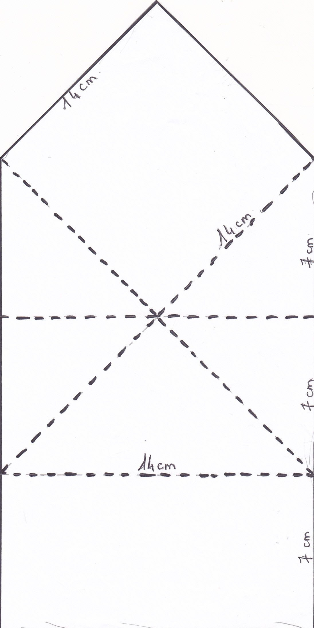 maquette du pliage de carte pliée porte message. Les pointillés indiquent les plis à marquer.