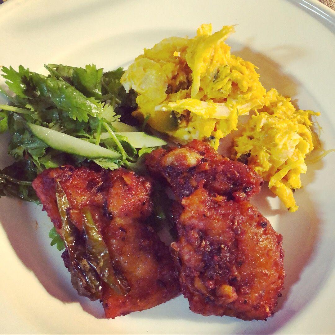南インド料理とスパイスにハマっている筆者が クリスマスやホムパにぴったりのスパイシーな鳥のからあげレシピを伝授 美味しい だけど ハイカロリー な罪深いひと皿です 南インド料理 料理 インド料理