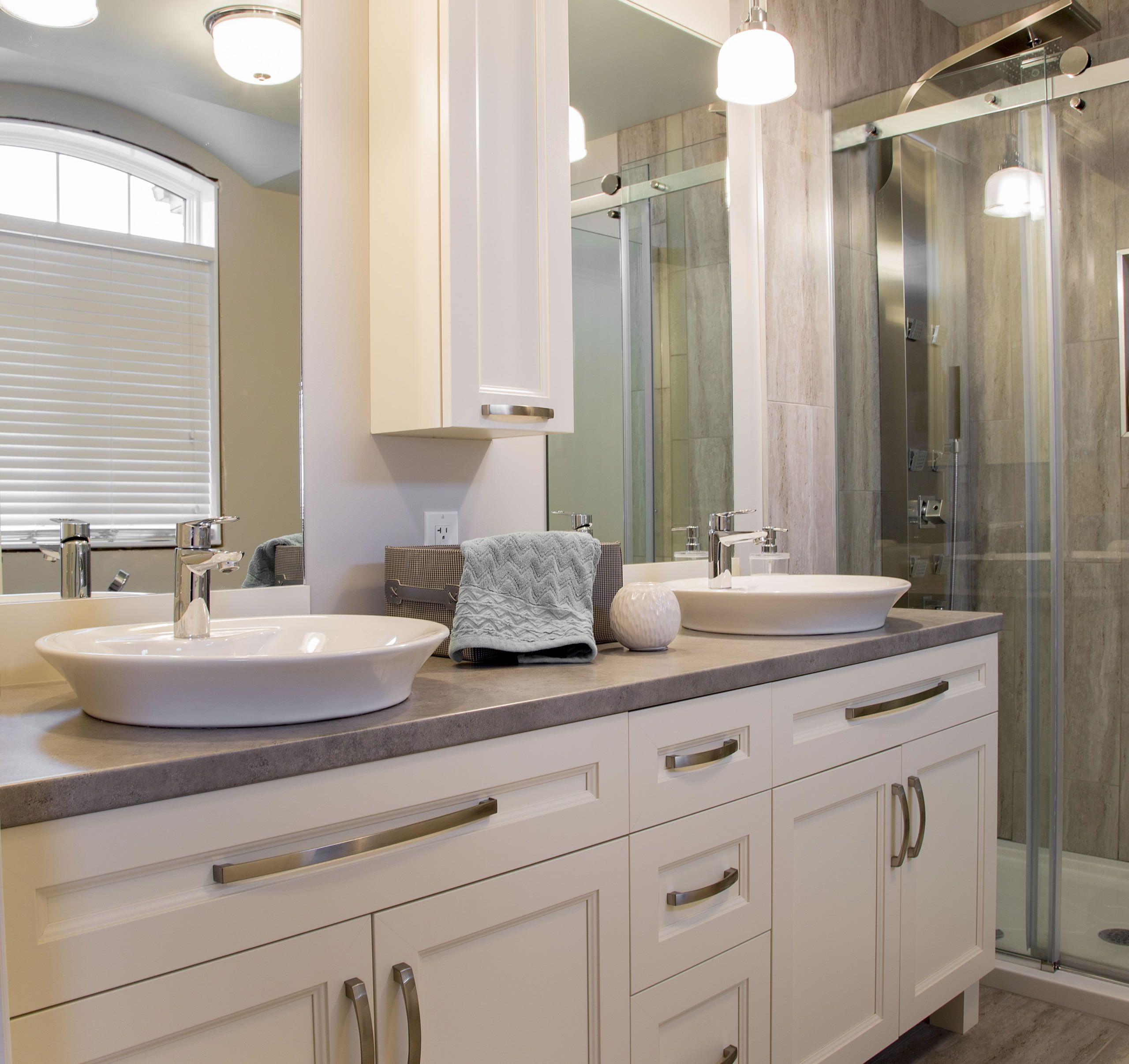 Inspirez vous conception et fabrication d 39 armoires de for Conception salle de bain reims