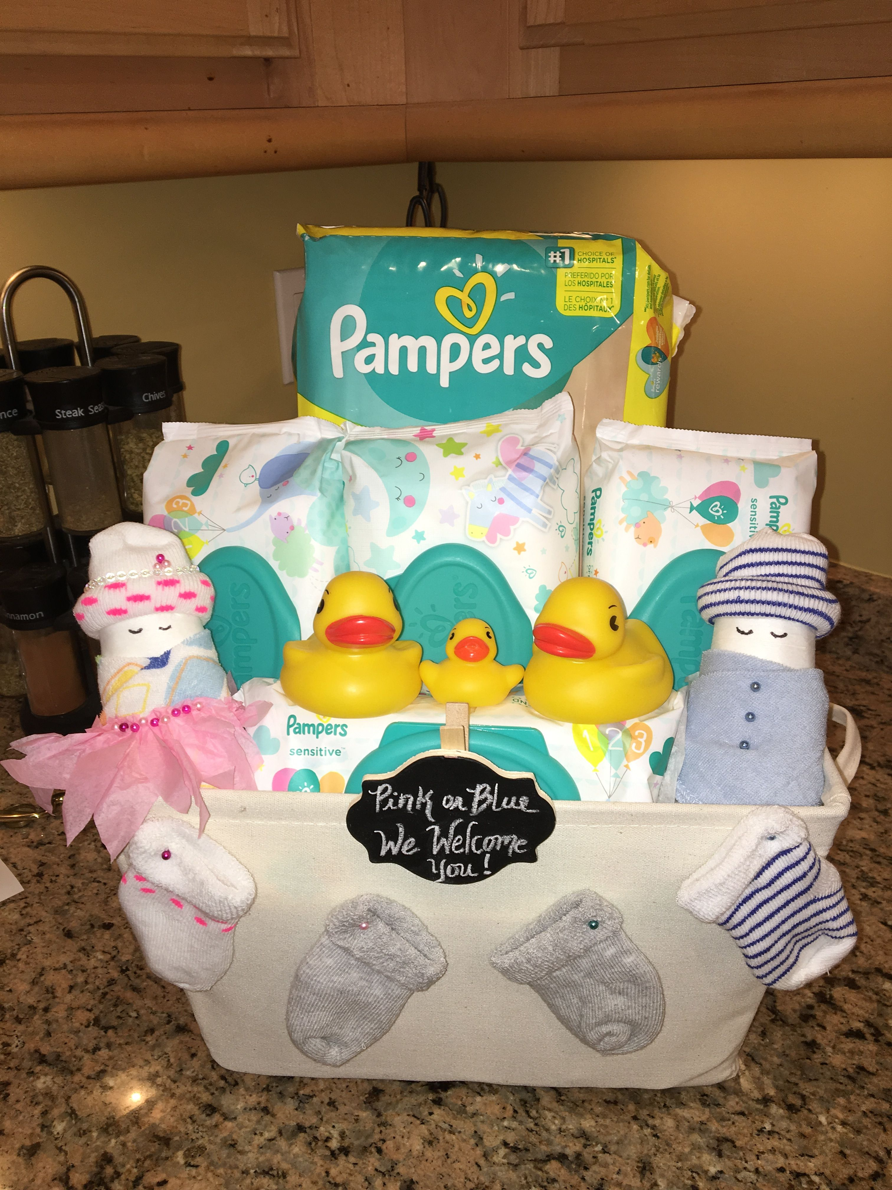 baby shower gifts made with diapers