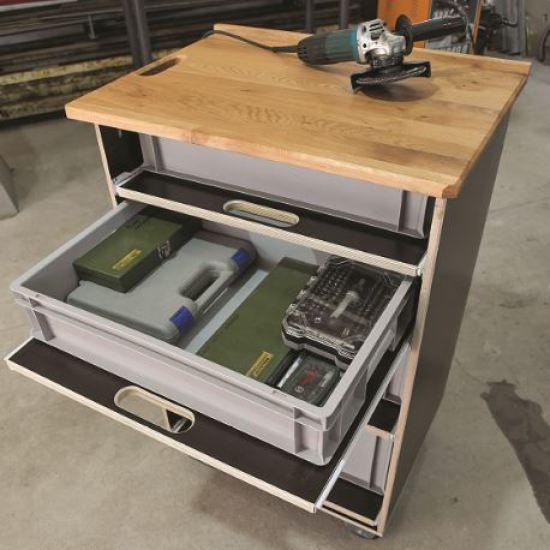 praktischen werkstattwagen g nstig selber bauen atelier werkstatt wagen werkstatt werkzeuge. Black Bedroom Furniture Sets. Home Design Ideas