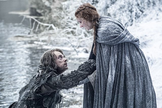 Feast Your Eyes (Not You, Arya) On Game Of Thrones' Season 6 Photos #refinery29 http://www.refinery29.com/2016/02/103140/game-of-thrones-season-6-photos#slide-15 Theon and Sansa, dynamic duo at large....