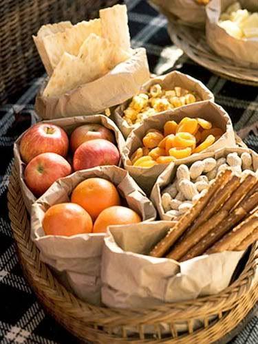 FALL RECIPE IDEAS Tailgating or picnic snacks