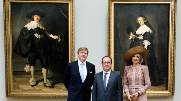 In front of the unveiling of two Rembrandt portraits, Francois Hollande was transformed into a champion of public culture - love her hat choice for this event