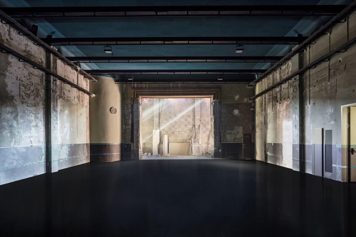 Flores & Prats Refurbishes the Salsa Beckett Theater [Barcelona] | Trendland