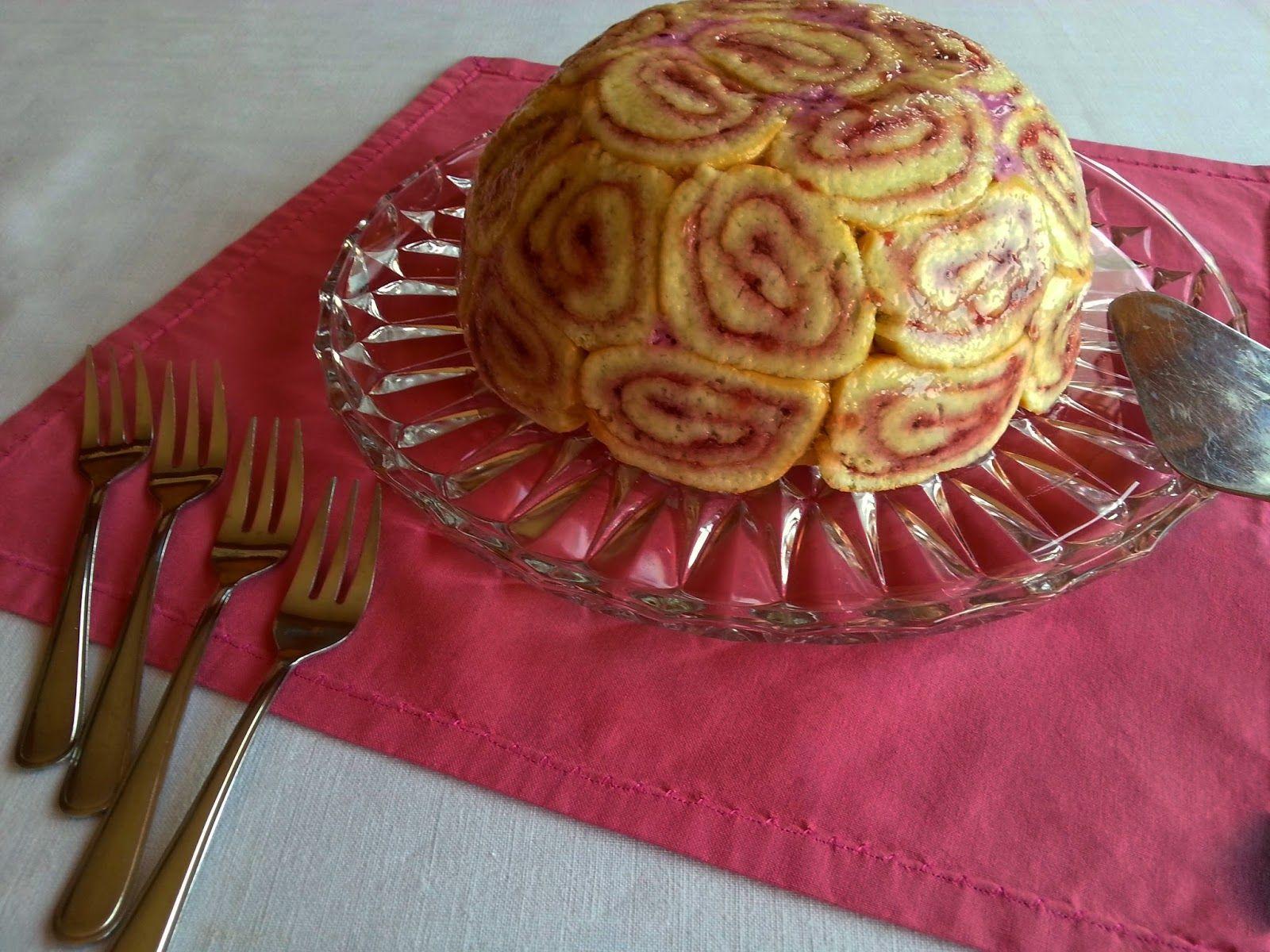 Beeren-Joghurt Torte als Schnecken-Kuppel