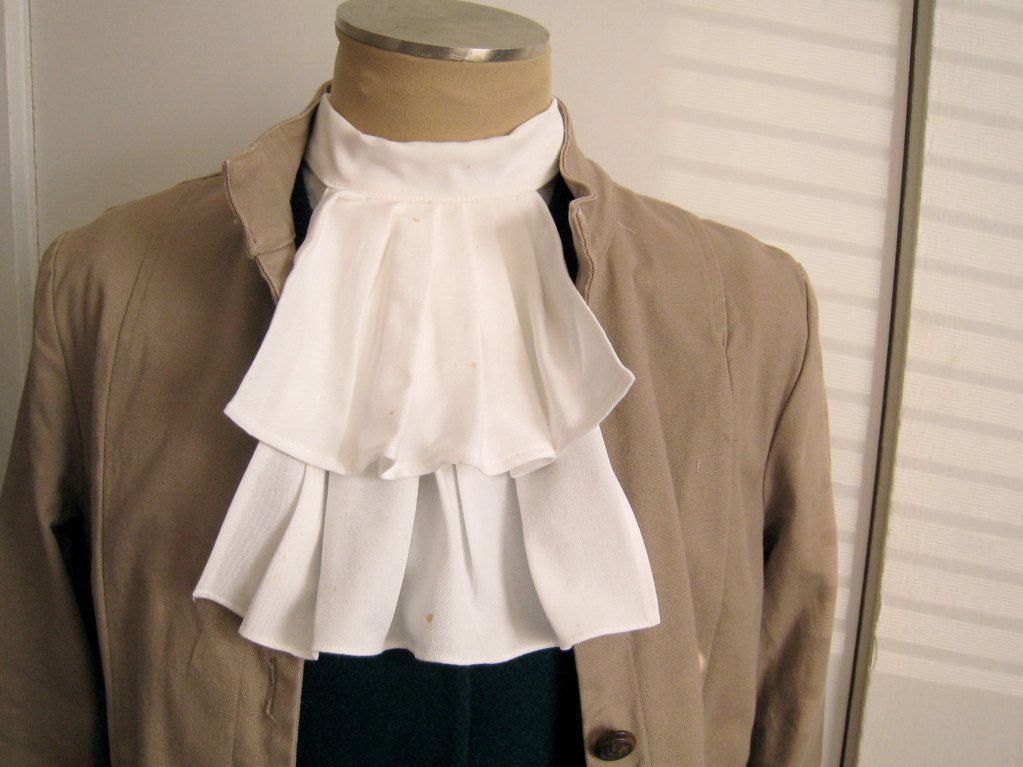 Alexanders Costumes Men/'s Lace Jabot