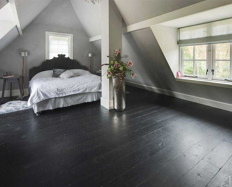 Donkere vloer, lichte wanden   Ideeen huis bouwen   Pinterest   Vloeren, Plinten en Houten vloeren