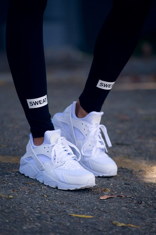 39528824ad10 NIKE AIR HUARACHE TRIPLE WHITE