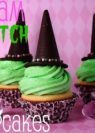 Simple and Sparkly Glam Witch Cupcakes!!  Perfect non-gruesome Halloween treat!!
