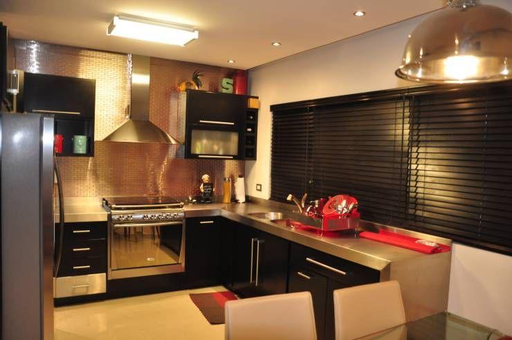 Una casa con poco terreno ¡pero mucho estilo! Moderno, Cocinas y - Ideas Con Mucho Estilo