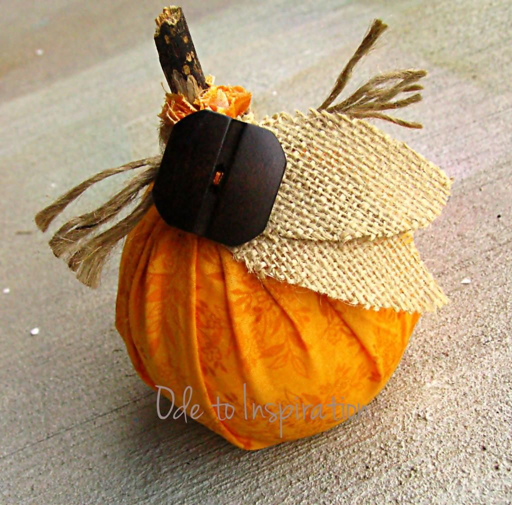 DIY Halloween : DIY No Sew, No Glue Pumpkin DIY Halloween Decor