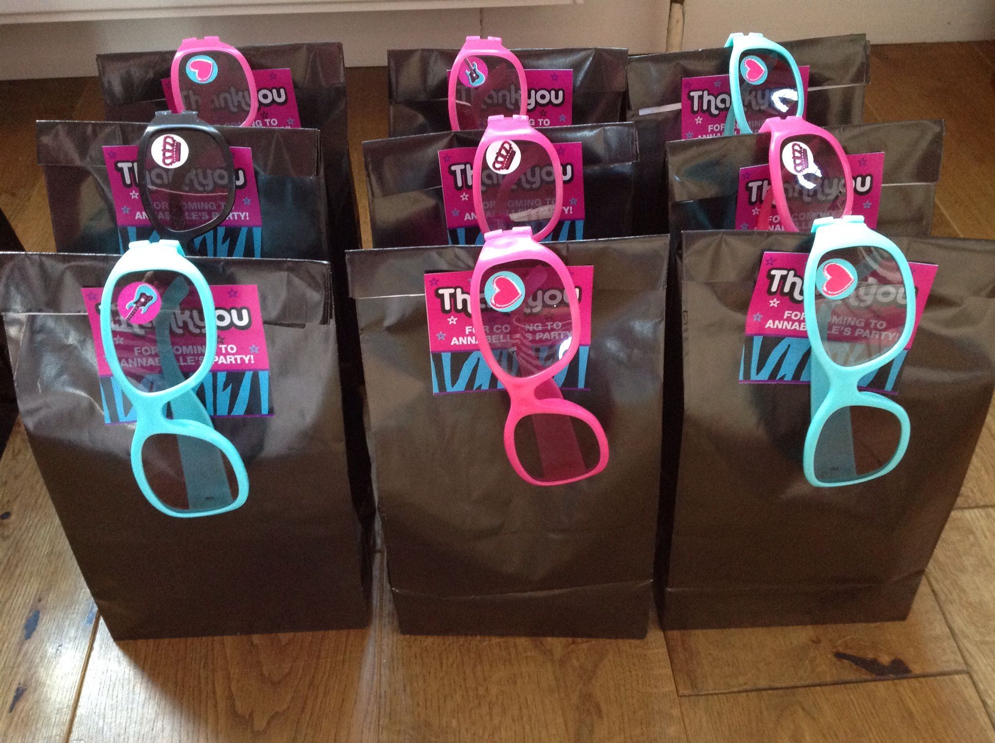 Favour party bags with popstar glasses for the popstar ...