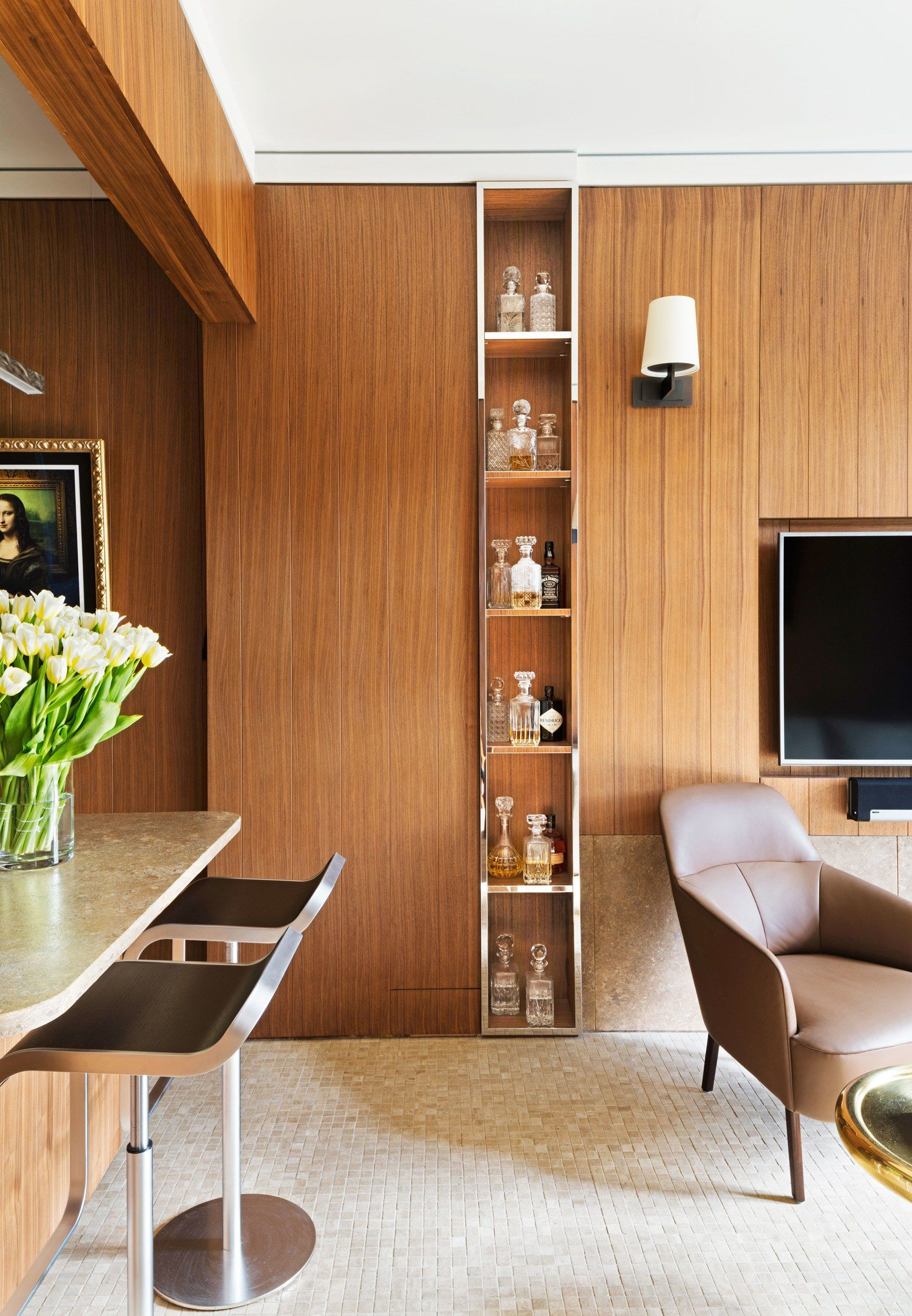 A Sleek Yet Cozy Small Space in London | Architectural digest ...