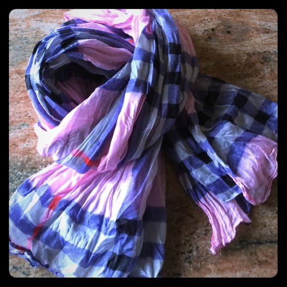 Pink/blue plaid scarf Burberry like pattern Mint condition all weather scarf/wrap Accessories Scarves & Wraps