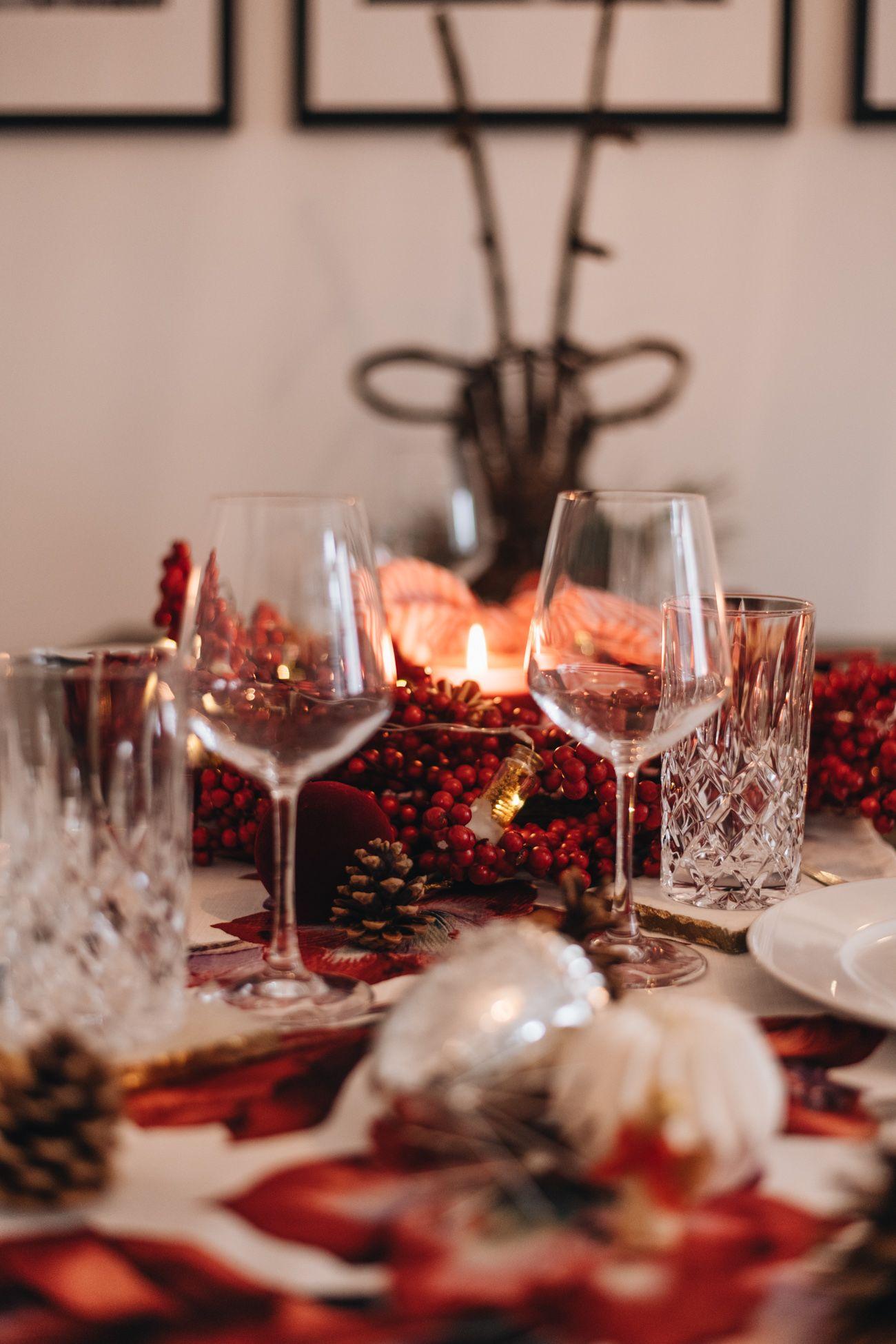 Weihnachtliche Tischdekoration In Rot Silber Tischdekoration